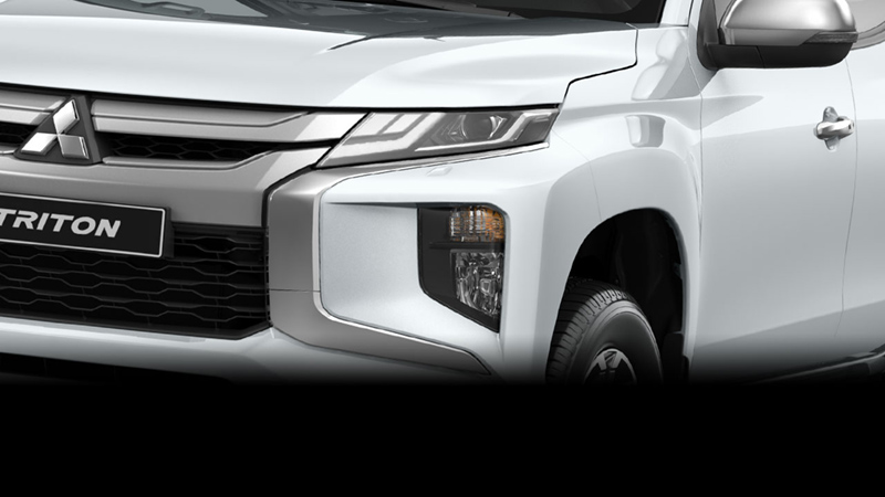 Mitsubishi Triton Ngoai That 2